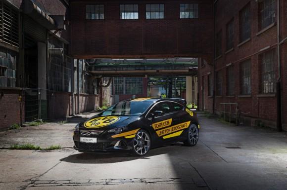 Opel - Borussia Dortmund - Fanaticar Magazin