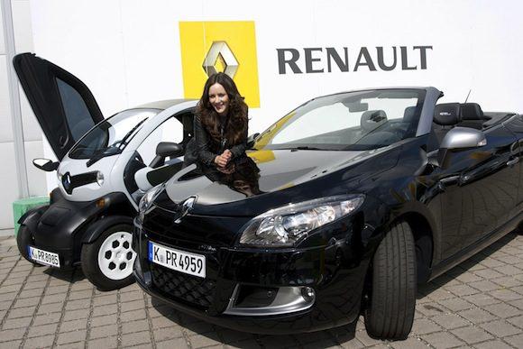 F R-l Ngere-Strecken-nimmt-Jasmin-Wagner-den-Renault-M Gane-Coup in Blumige Freundschaft- Jasmin Wagner fährt Renault Twizzy