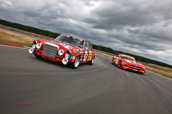Mercedes-Benz SLS GT3 und Rote Rennsau by marioroman pictures   Fanaticar-Magazin
