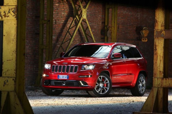 Jeep Grand Cherokee SRT - Fanaticar Magazin