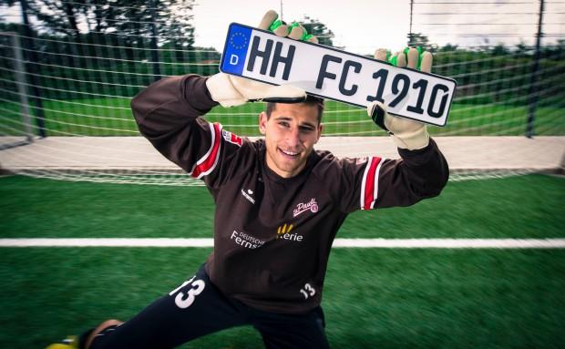 202664 10151031301818137 809598388 O-620x383 in FC St. Pauli versteigert besonderes Kennzeichen