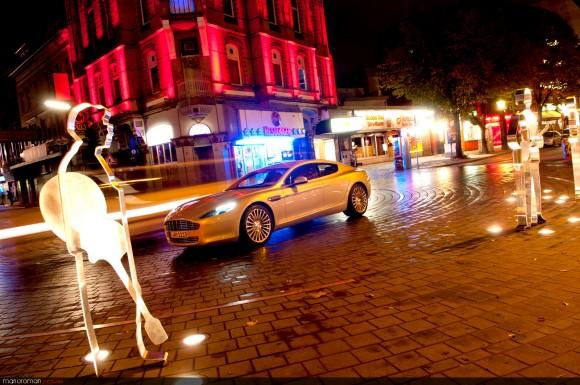 Am-rapide-garage-44-Bearbei-580x385 in Q's Ladylover – Fahrbericht Aston Martin Rapide