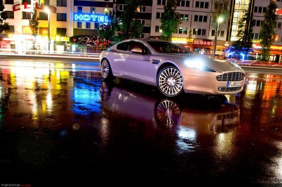 Am-rapide-garage-9-Bearbeit-580x385 in Q's Ladylover – Fahrbericht Aston Martin Rapide