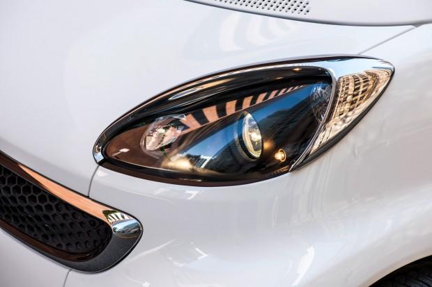 12C1239 079-1-620x413 in Asterix neuer Dienstwagen - Smart fortwo electric drive by Jeremy Scott