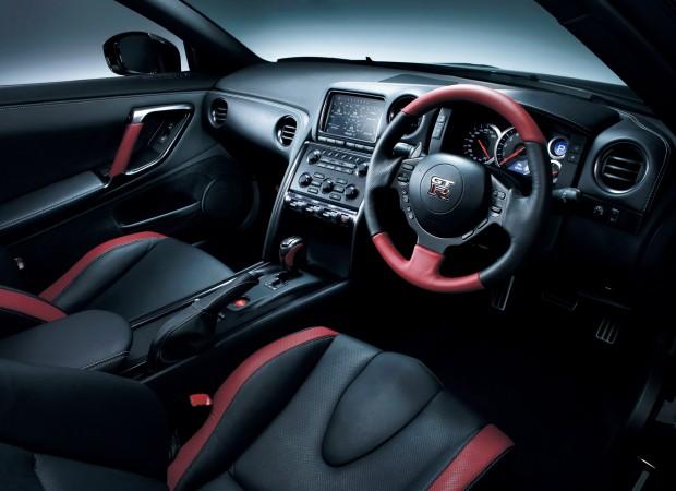 2013 Nissan GT-R - Fanaticar Magazin
