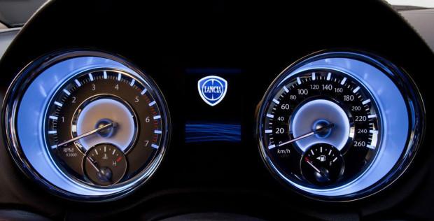 111107 L Thema 081-620x316 in Fahrbericht Lancia Thema 3.6 V6 Executive - Die perfekte Mafia Schleuder