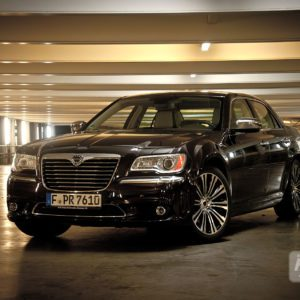 2012-lancia-thema-47-300x300 in Fahrbericht Lancia Thema 3.6 V6 Executive - Die perfekte Mafia Schleuder