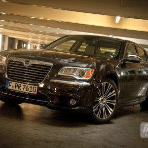 2012-lancia-thema-49-300x300 in Fahrbericht Lancia Thema 3.6 V6 Executive - Die perfekte Mafia Schleuder