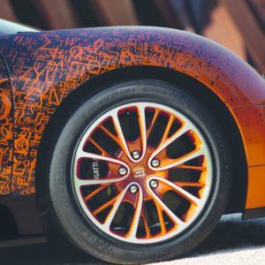 Ampnet Photo 20121203 053339-300x300 in Fast Art at his best - Der Bugatti Veyron Grand Sport Venet