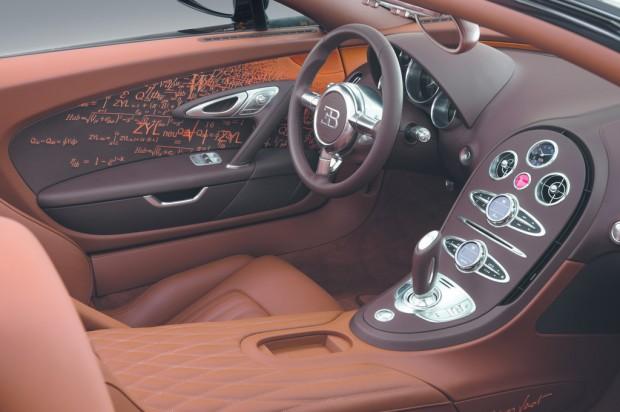 Ampnet Photo 20121203 053352-620x412 in Fast Art at his best - Der Bugatti Veyron Grand Sport Venet