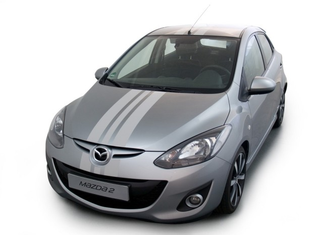 Ampnet Photo 20121213 053768-620x465 in Streifen für 2 - Mazda präsentiert neues Foliendesign