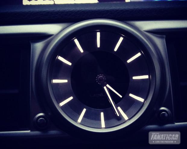 Gs450h-clock-620x496 in Fanaticar Testwagen Blog: Willkommen Mister Lexus GS450h F-Sport!
