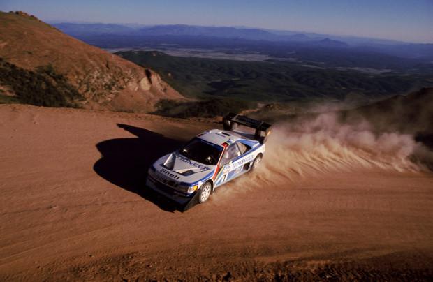 1295603299 405 Turbo16 Pikespeak 1989-620x404 in French Connection - Peugot tritt wieder beim legendären Pikes Peak an