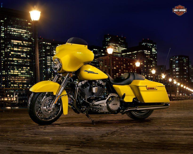 Harley Davidson Street Glide - Fanaticar Magazin