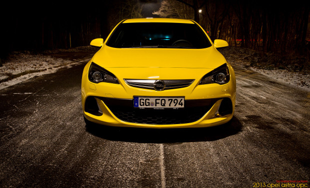 2013-opel-astra-opc-12-Bear-620x377 in Fahrbericht 2013 Opel Astra OPC - Tari Tara die Post ist da!