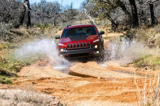 484672 10152086532006515 627331635 N-620x413 in Die bösen Nachwehen des Aztek - Der neue Jeep Cherokee