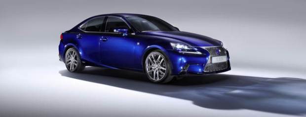 2013 Lexus IS 300h - Fanaticar Magazin