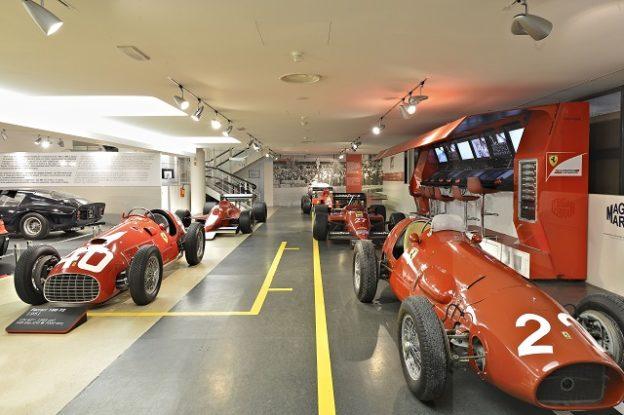 Besondere Oldimer Leckerbissen von Ferrari werden ebenfalls gezeigt