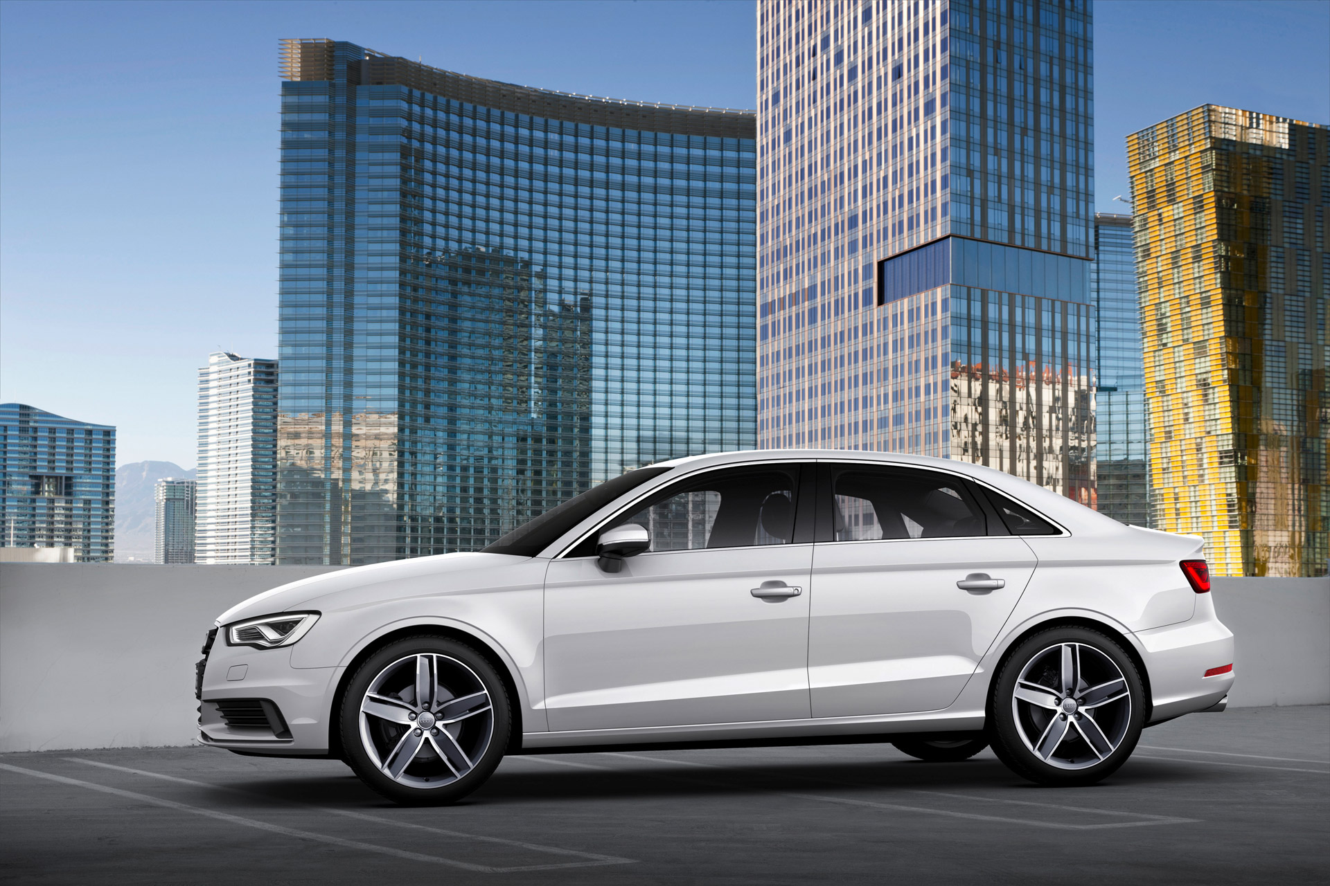 die neue audi a3 limousine audi r stet sich f r den markt der kompakten limousinen fanaticar. Black Bedroom Furniture Sets. Home Design Ideas