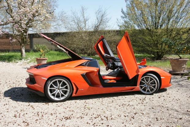 Lamborghini Aventador Roadster LP700-4 - Fanaticar Magazin