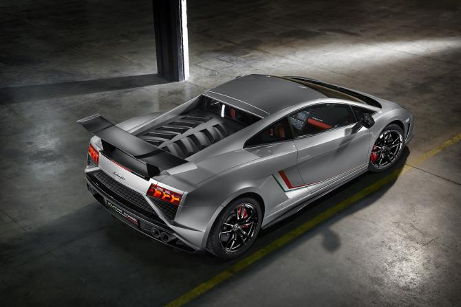Lamborghini2-6880OK-670x447 in Lamborghini präsentiert Sondermodell Gallardo LP 570-4 Squadra Corse