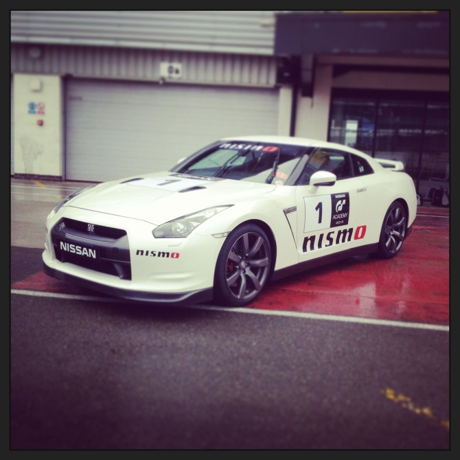 Nissan_GTR_GT_Academy_Silverstone