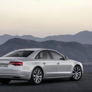 Audi-A8-4 0-TFSI-quattro-300x300 in Fahrbericht Audi A8: Ob du richtig stehst, siehst du wenn das Licht ausgeht