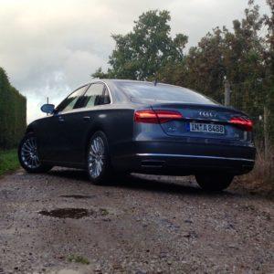 Audi-A8-Heck-300x300 in Fahrbericht Audi A8: Ob du richtig stehst, siehst du wenn das Licht ausgeht