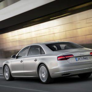 Audi-A8-L-W12-6 3-FSI-quattro-300x300 in Fahrbericht Audi A8: Ob du richtig stehst, siehst du wenn das Licht ausgeht