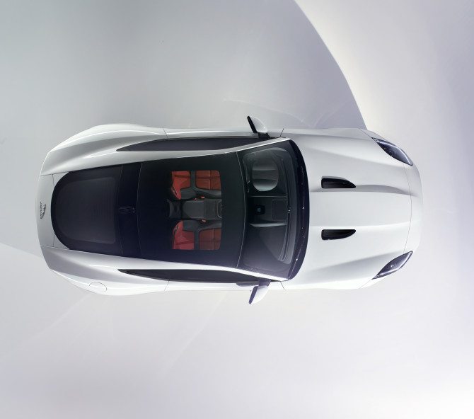 jag_f-type_coupé_studio_white_061113_01