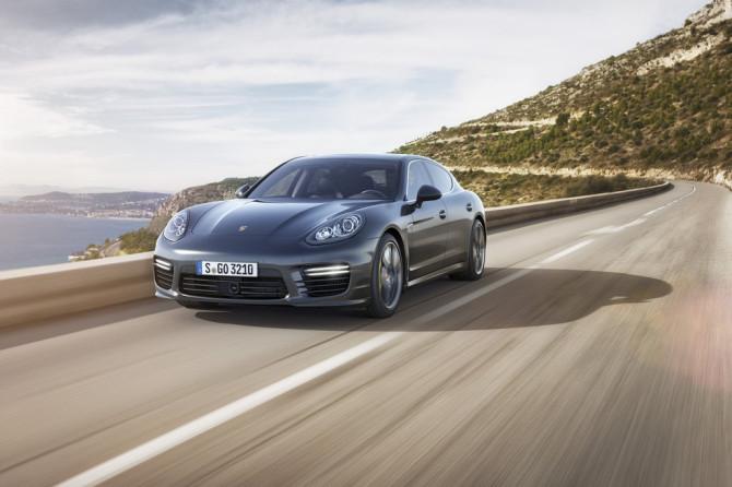 2014 Porsche Panamera Turbo S - Fanaticar