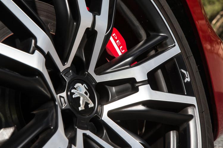 Peugeot-rcz-r-4-750x500 in Peugot lässt den RCZ R auf die deutsche Kundschaft los