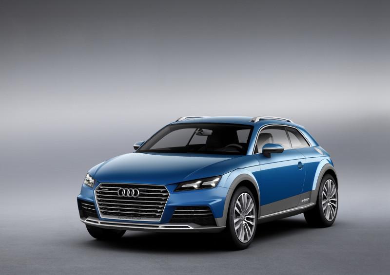 Der Audi allroad shooting brake steht kraftvoll auf der Straße.