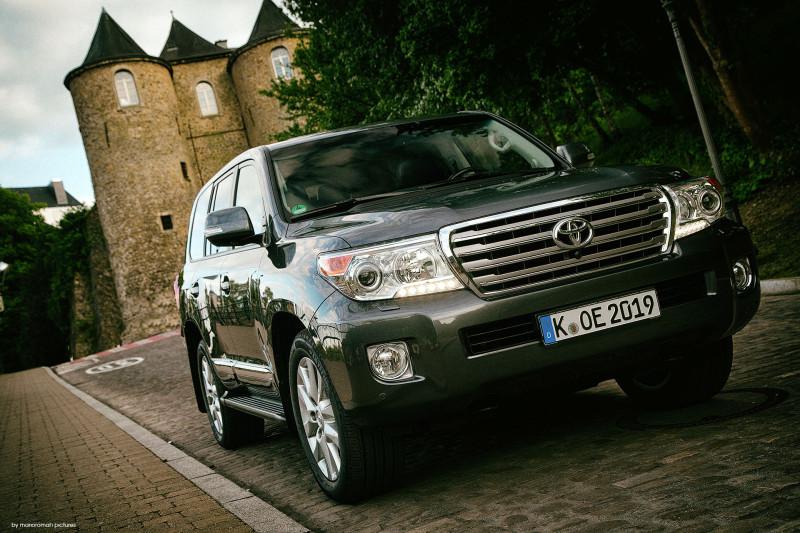 2014 Toyota Land Cruiser V8 Diesel - Fanaticar Magazin