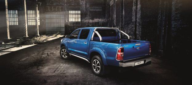 2014 Toyota Hilux Invincible - Fanaticar Magazin