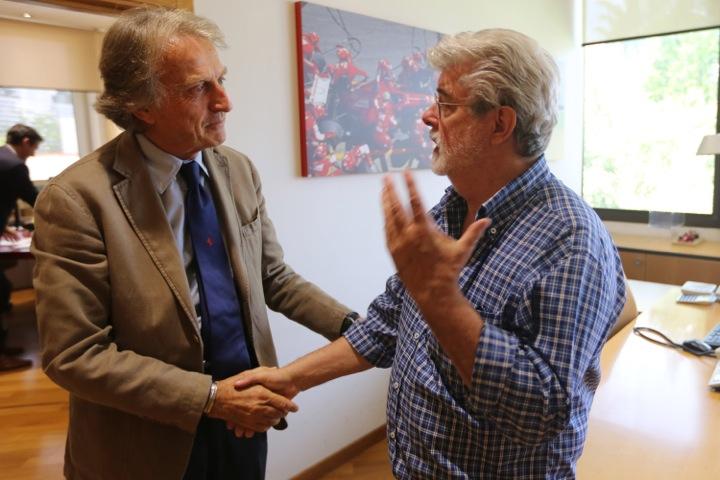 Ferrari-Präsident Luca di Montezemolo begrüsst George Lucas