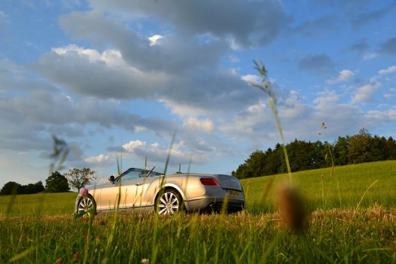 Bentley Continental GTC V8S - Fanaticar Magazin