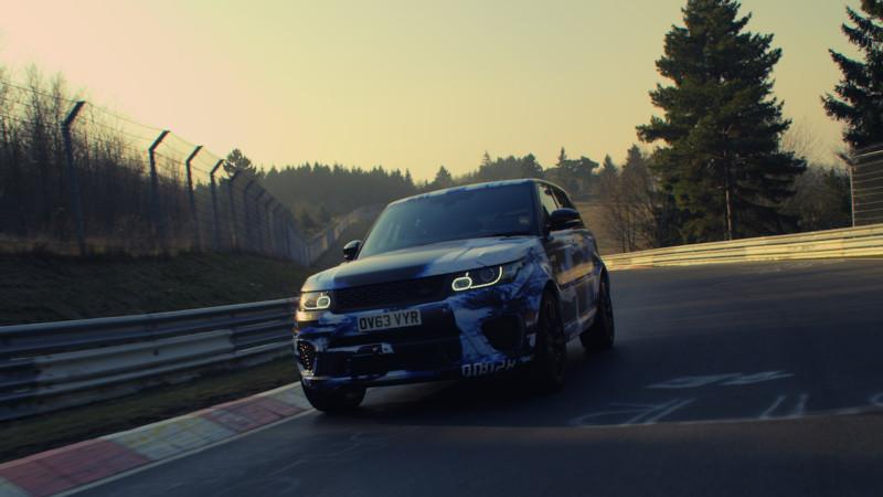 In 8 Minuten und 14 Sekunden über die legendäre Nordschleife: der neue Range Rover Sport SVR