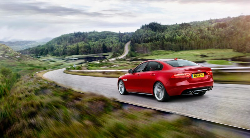 2015 Jaguar XE S - Fanaticar Magazin
