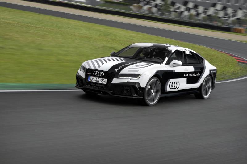 Erstes Auto ohne Pilot auf der Rennstrecke: der Audi RS 7