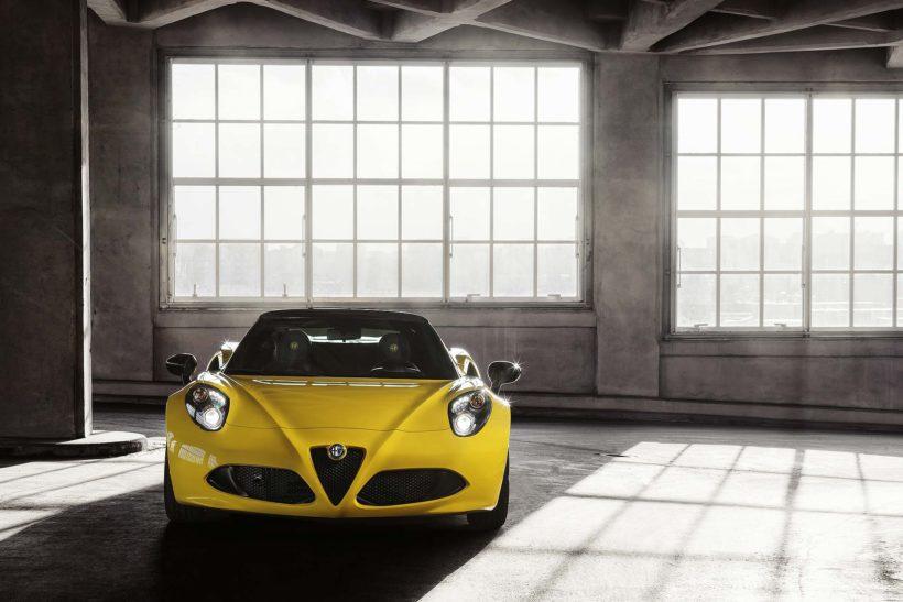 150112 AR 4CSpider 04-820x547 in Alfa Romeo 4C Spider - oben ohne im eisigen Detroit