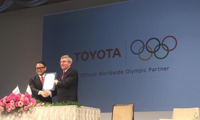 Toyota stellt Fahrzeuge für Olympioniken, Trainer und Funktionäre bereit