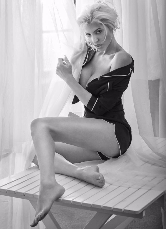Sarah Nowak - Playmate   Fanaticar Magazin