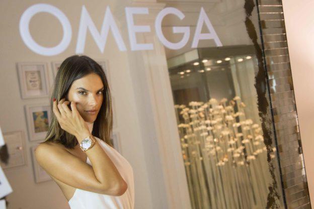 Alessandra Ambrosio auf der Gold Night im Omega House, Rio | Fanaticar Magazin