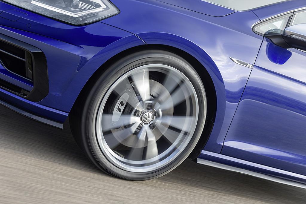 Volkswagen Golf R und Golf R Variant Performance Paket