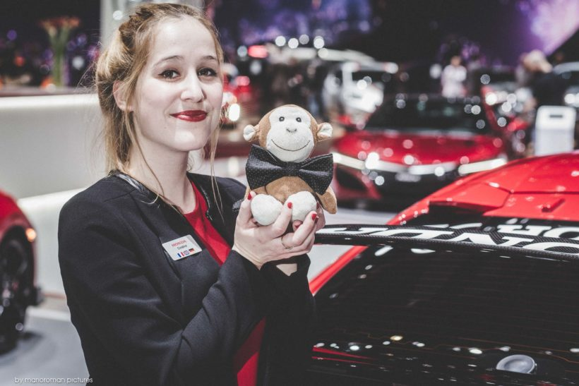 Girls of Geneva Autosalon 2018 by marioroman pictures