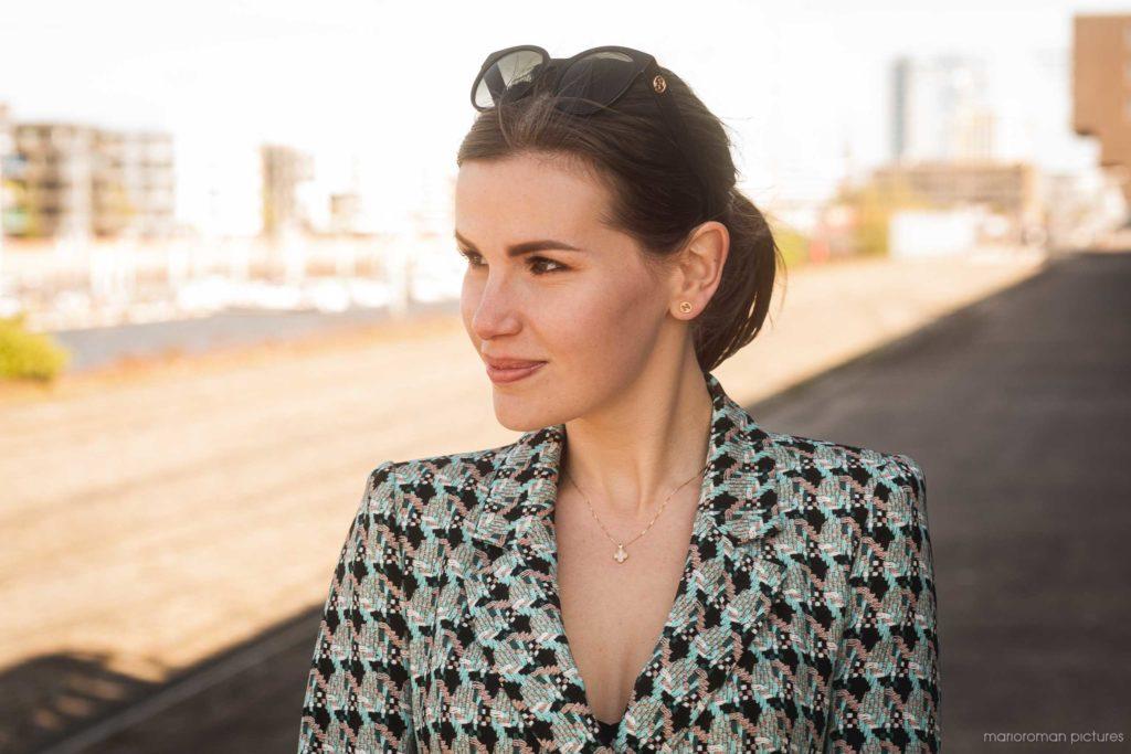 Natali Dujunov - Luxury Agent | Fanaticar Magazin