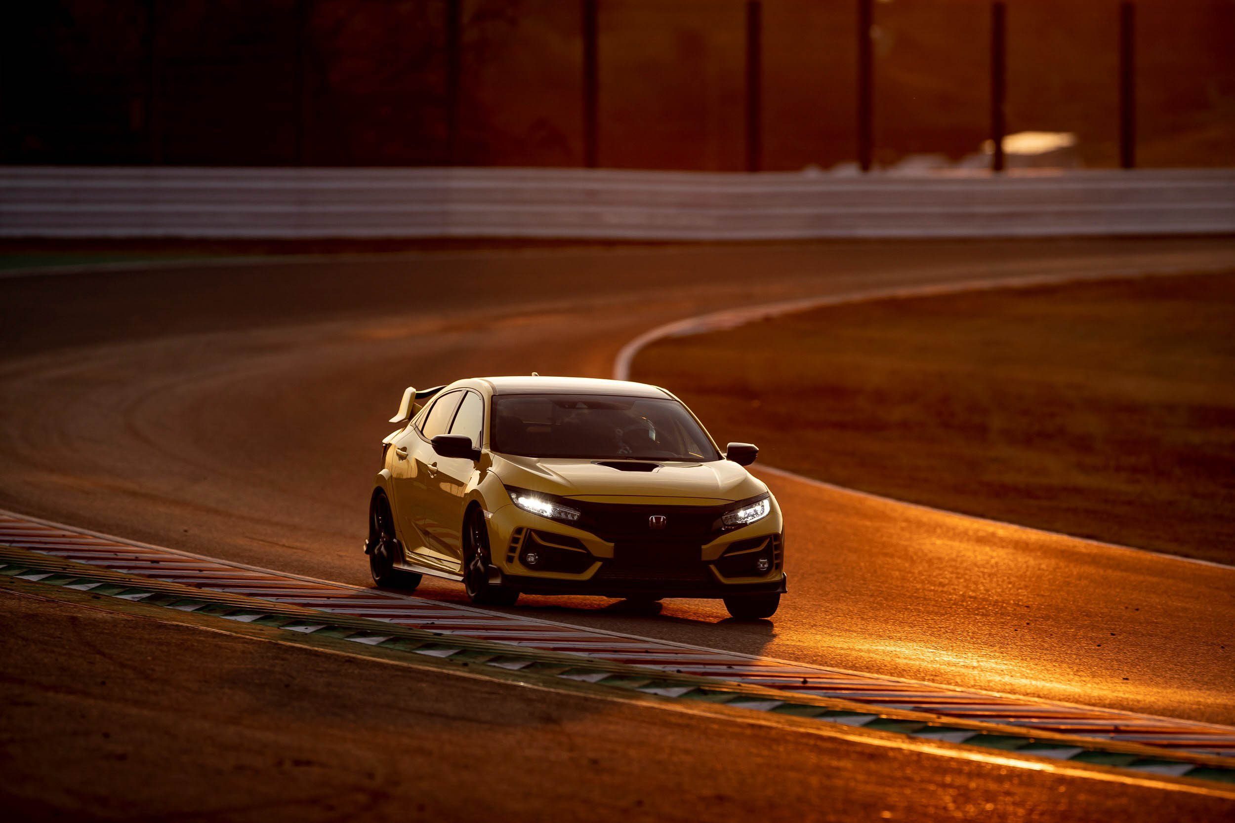 2020 Honda Civic Type R Limited Edition | Fanaticar Magazin
