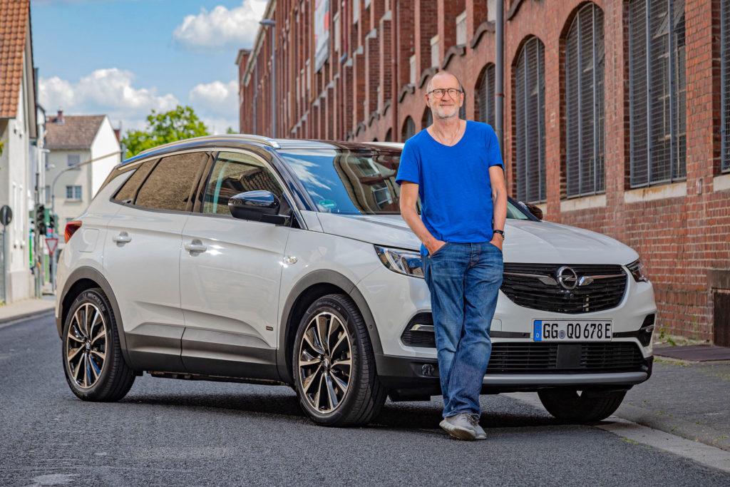 Opel Grandland X - Peter Lohmeyer | Fanaticar Magazin