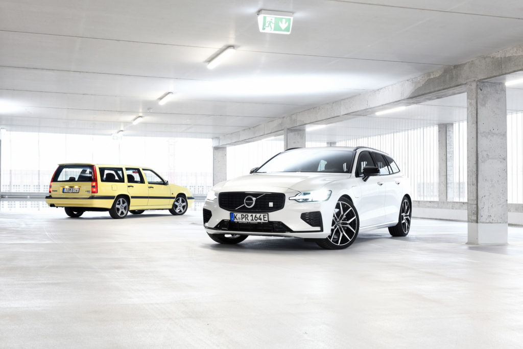 Volvo V60 T8 AWD Polestar Engineered & Volvo 850 T5-R | Fanaticar Magazin
